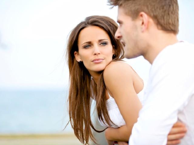 Как понять что девушка любит тебя?
