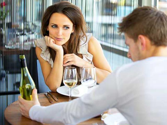 Что хотят слышать девушки при знакомстве?