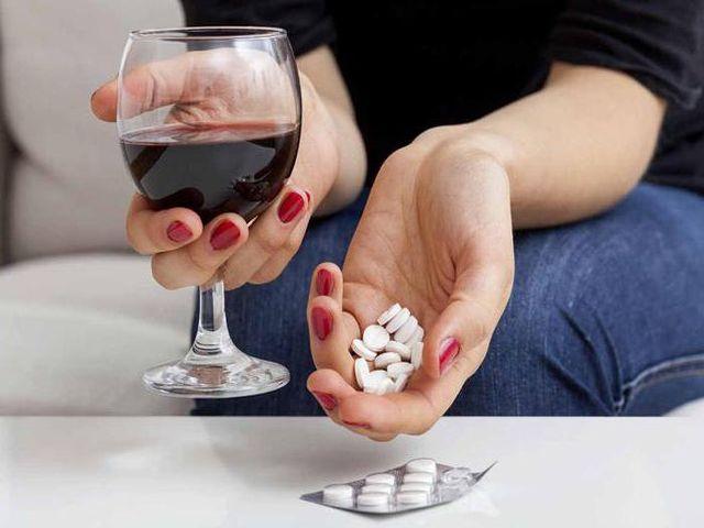 Вино и таблетки
