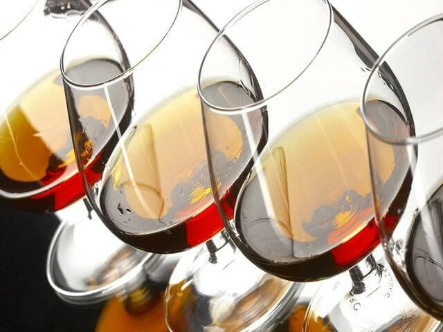 лекарственные средства и спиртные напитки