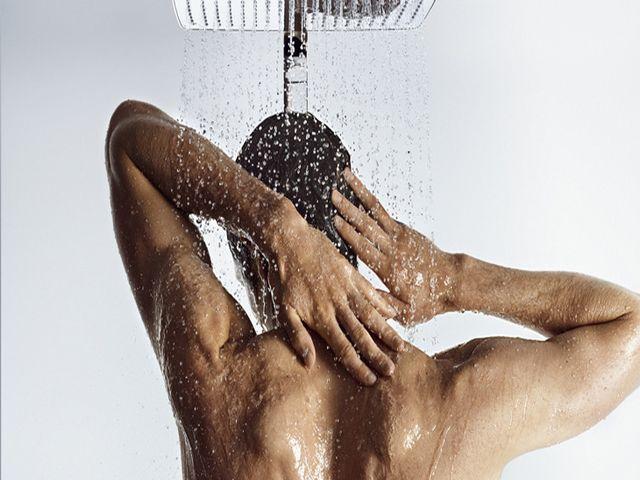 Холодный душ для облегчения похмельного синдрома