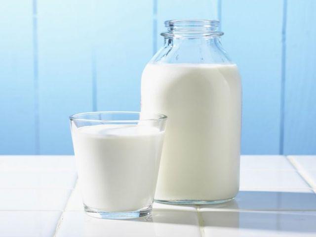 молоко для насыщения организма витаминами и минералами