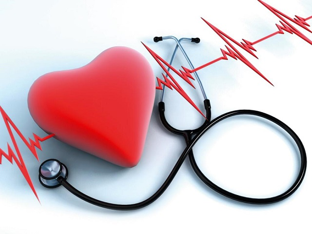 Тонометр и кардиограмма