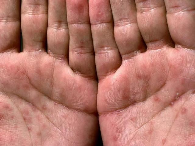 Руки человека