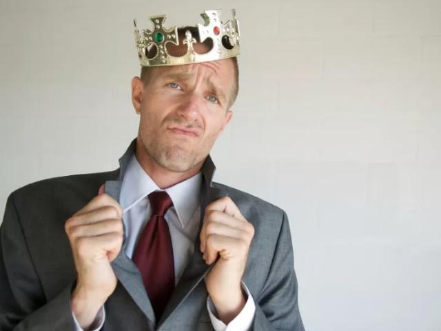 Парень в короне