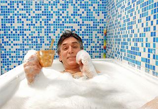 Можно ли принимать ванну с поваренной солью