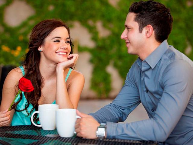 Парень с девушкой на встрече